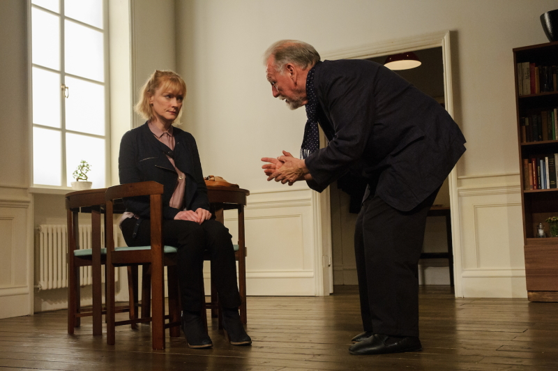 Photo of Claire Skinner  & Kenneth Cranham in The Father
